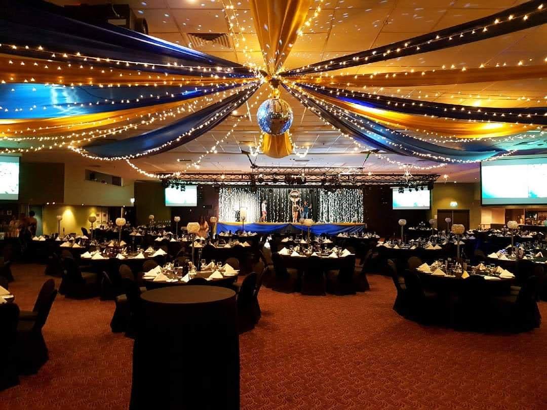 Star ceiling canopy black & gold, Crystal orbs table decoration