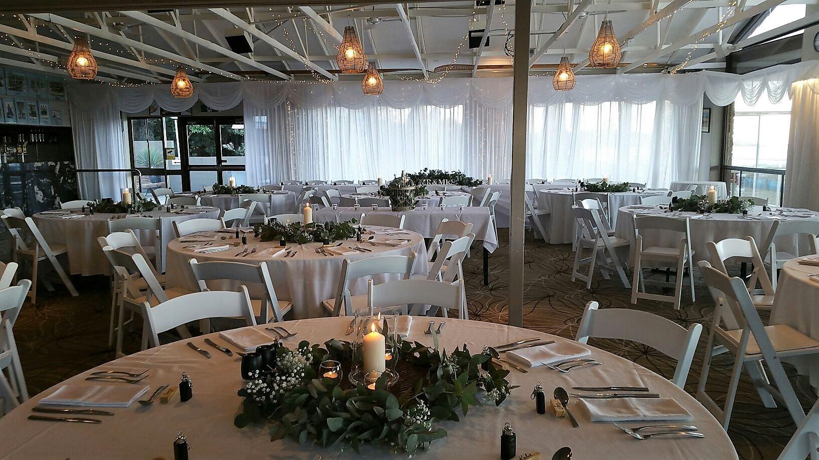 Backdrop 2 White Satin Full, Malibu chairs