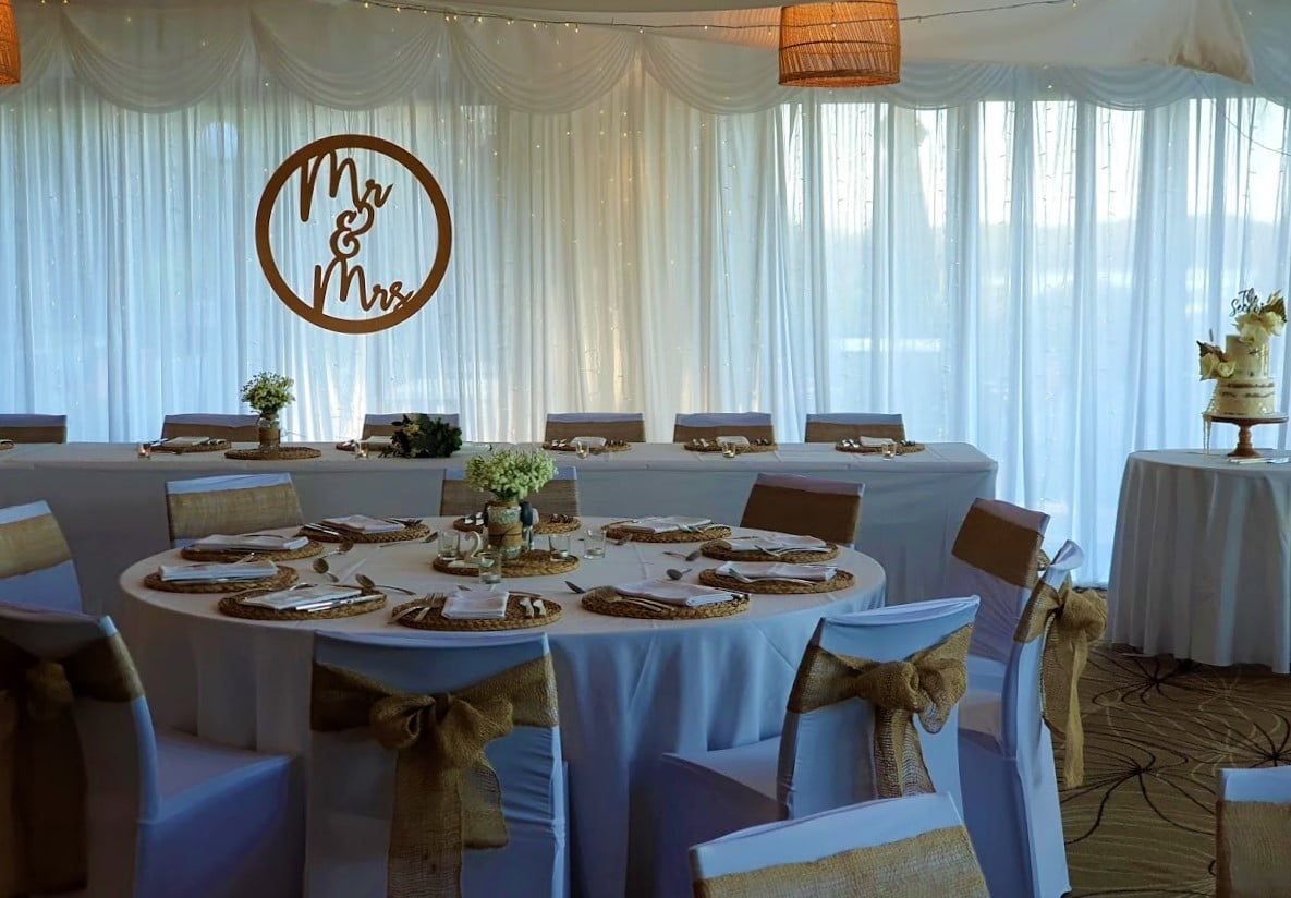 Backdrop 1 White Satin Full backdrop, chair covers, burlap bows